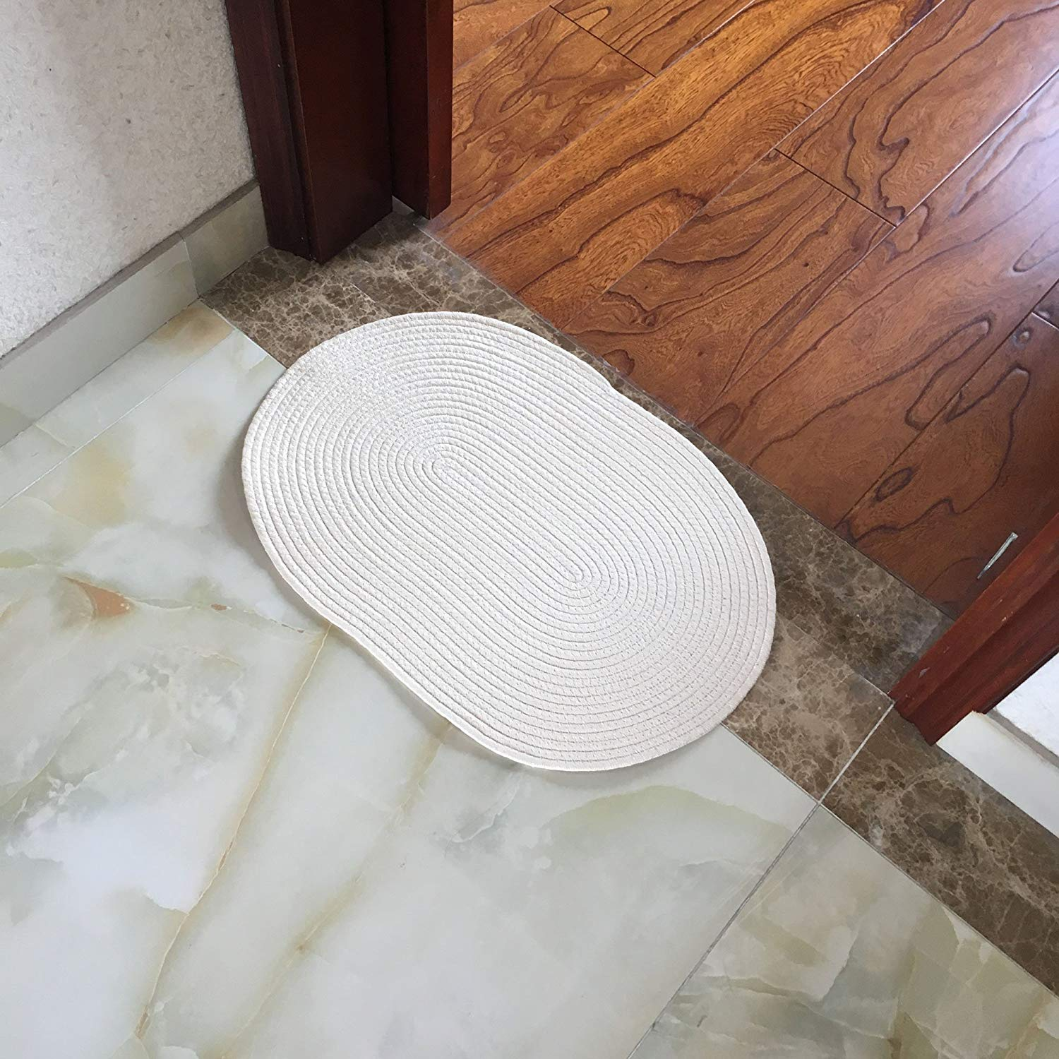 Natural water absorbent Bath mat Tub